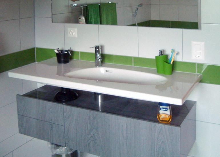 23 badezimmer lavabo bilder wohndesign uberraschend waschbecken mit schrank ideen kleines. Black Bedroom Furniture Sets. Home Design Ideas