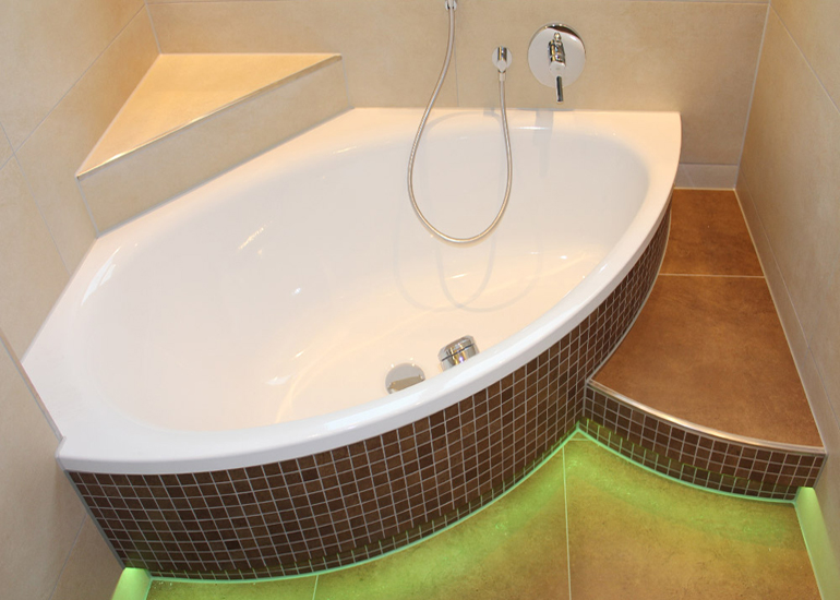Badezimmer mit mosaiken - Badezimmer mosaik ...